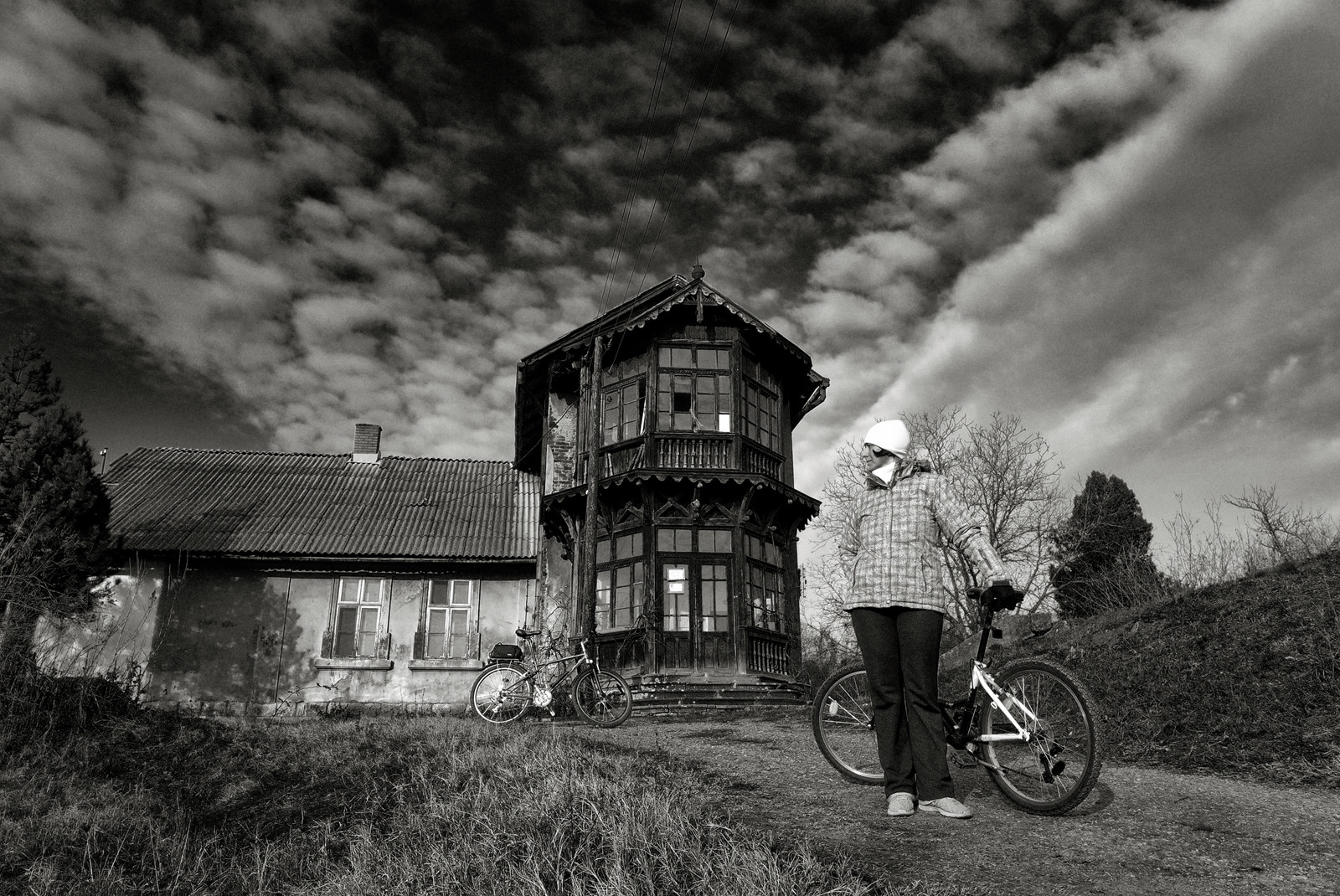 Čudna kuća na brdu