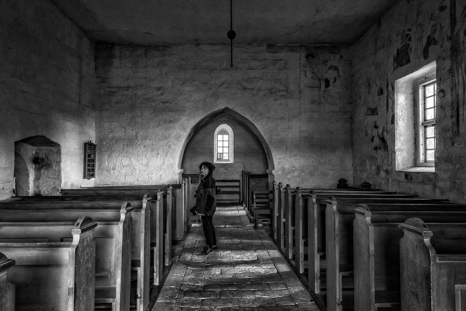 U crkvi, ali staroj...