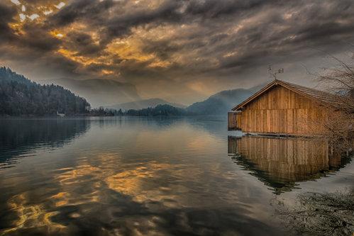 esekerri jezero u rano jutro