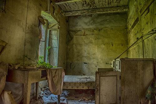 esekerri abandoned 5