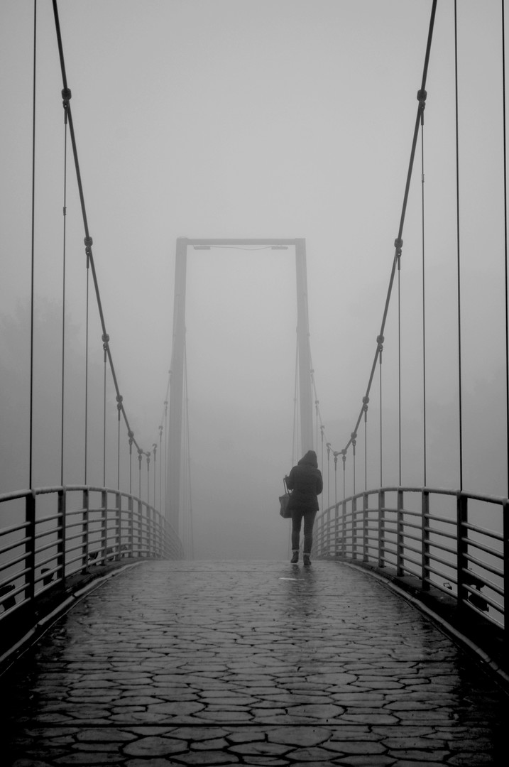 na mostu .
