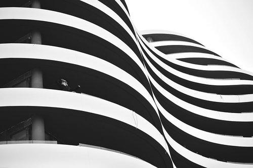 goran black and white wave
