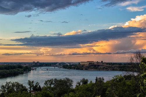 jovos teci teci Dunave