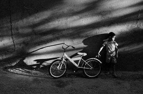 lapce Decak sa belim biciklom
