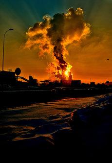 nagual Sunce iza dimne zavjese. Termoelektrana Tuzla