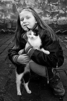 petarlackovic Portret devojčice sa mačkom