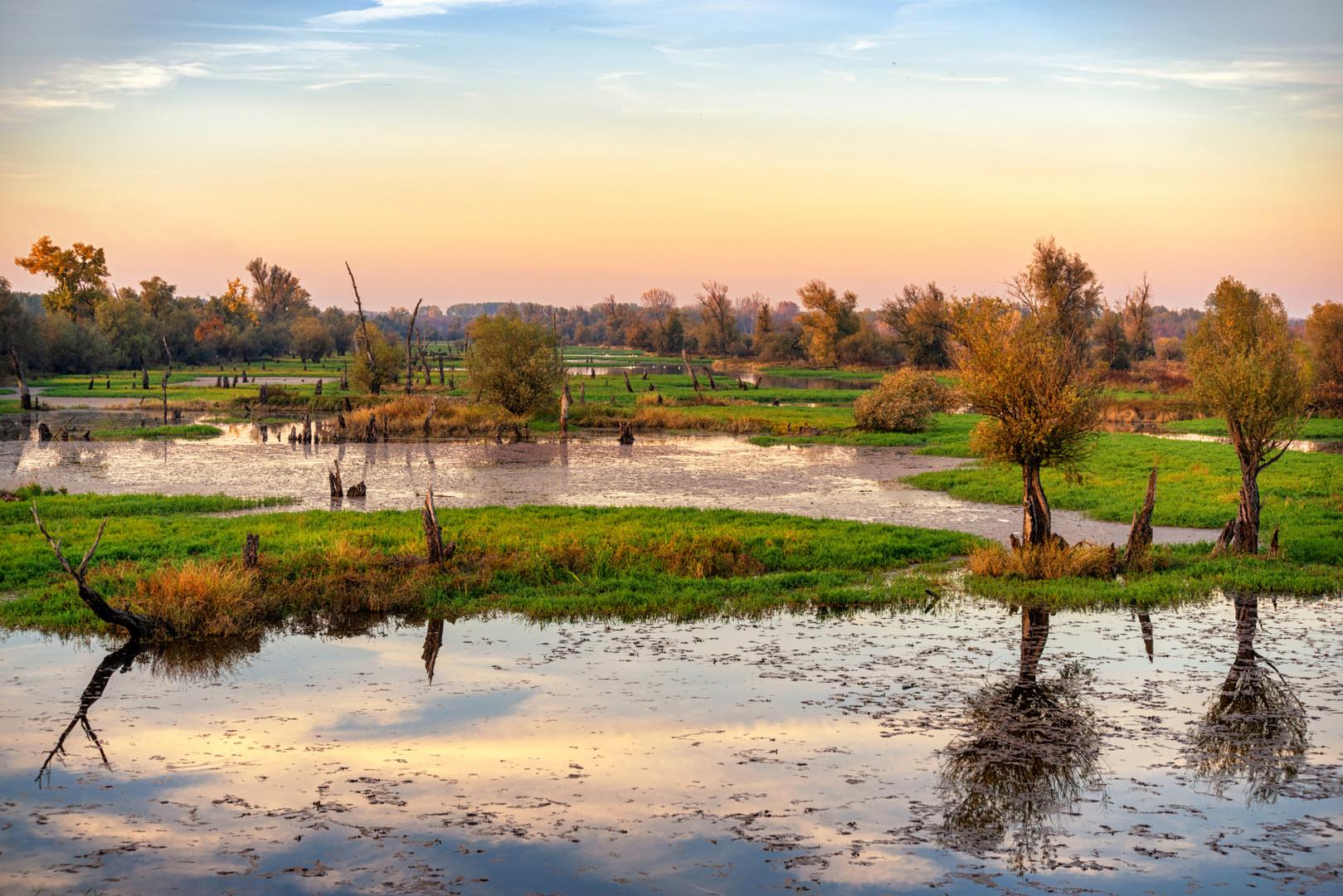 Zalazak na reci u jesen