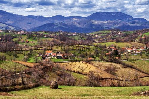 petarlackovic Planinski pejzaž u proleće