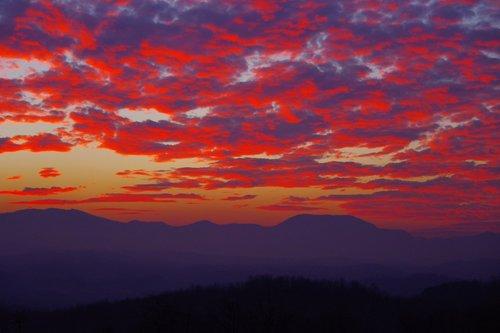 petarlackovic Zalazak na planini