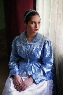 petarlackovic Devojka u plavoj haljini
