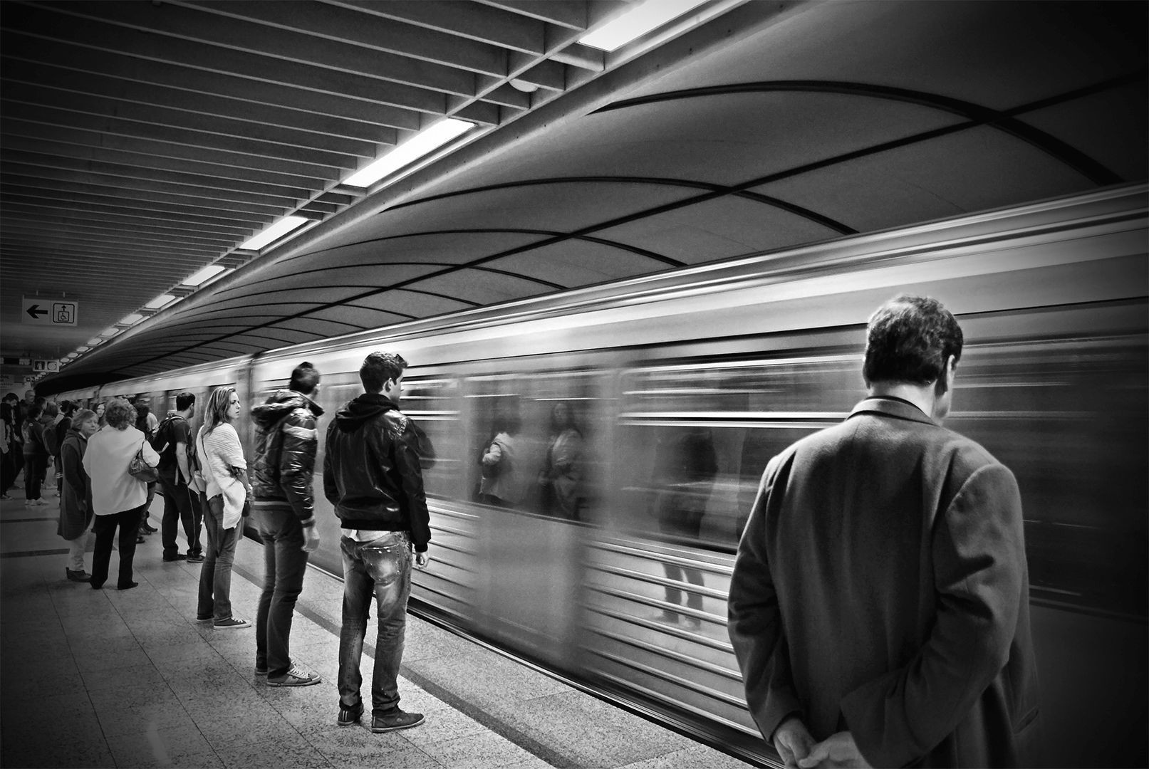 the subway story A subway story 176 likes two people recount the story of how they met on the new york city subway 3 years prior.