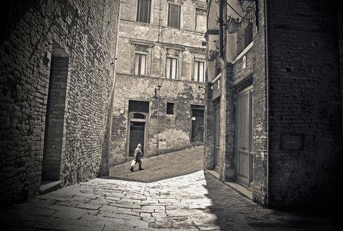 photosenad Street up hill
