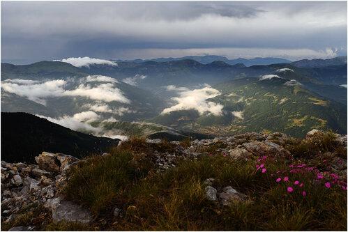 rabos Il pleut sur la montagne Mokra