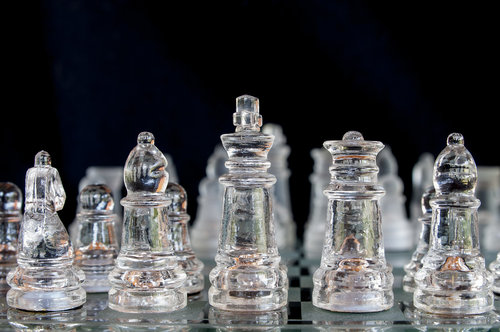 silly_quasar Glass chess set