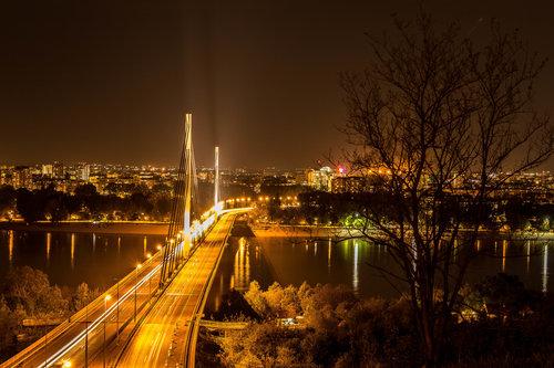 wlada Novi Sad noću